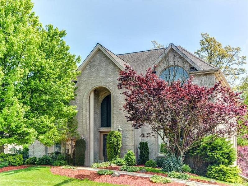155 Oakview Drive, Cranberry Twp