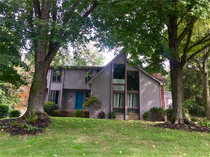 1821 Taper Dr., Upper St. Clair