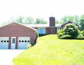 1390 Riverview Rd, Moon-Crescent Twp