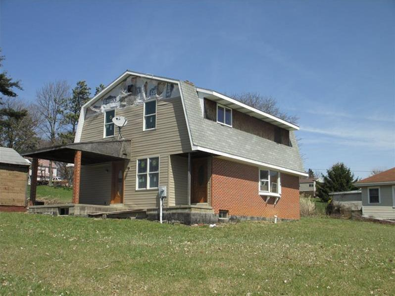 1079 Cross Creek Rd, Burgettstown Boro