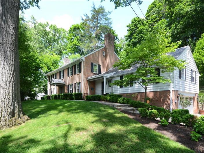 661 Canterbury Ln, Sewickley