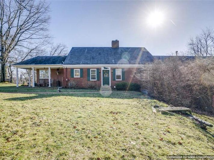 15 Thawmont Dr, Sewickley Heights