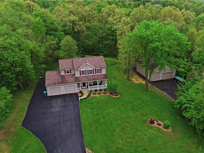 124 Thorn Apple Dr, Oakland Twp