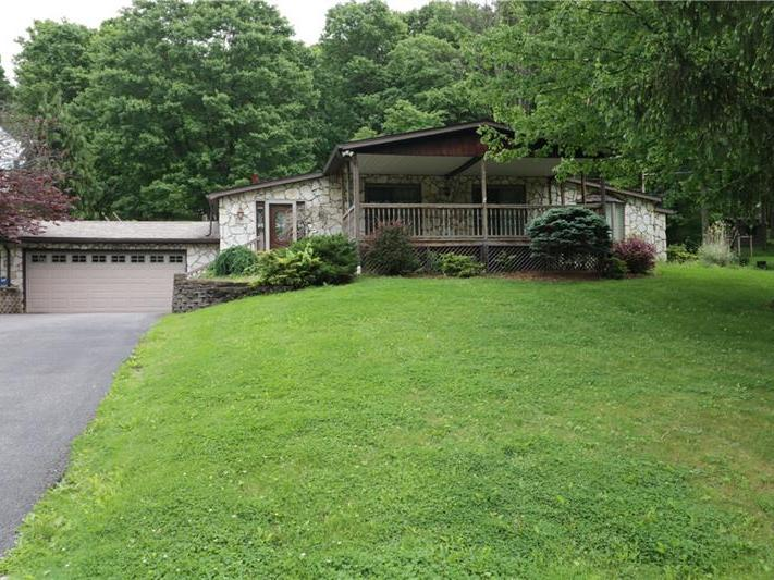 240 Maplewood Dr, Peters Twp