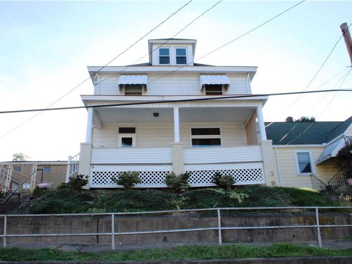 709 Meadow Ave, Charleroi