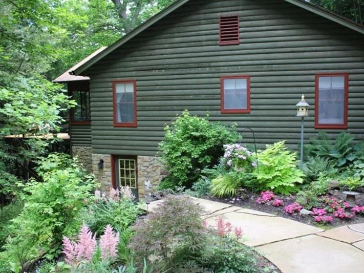 2319 Armstrong Rd, Perry Twp