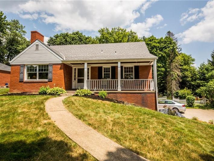 108 Highvue Dr, Peters Twp