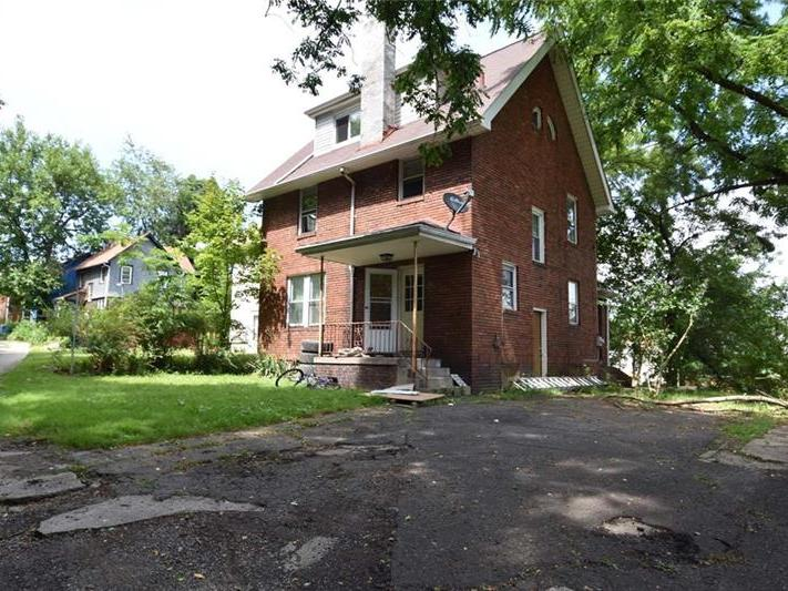 195 Pennsylvania Ave, Clairton
