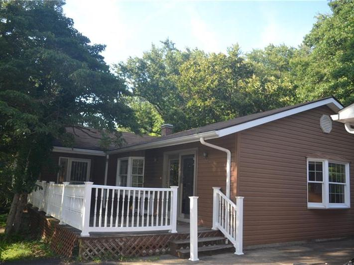 707 Royal Heights Blvd, Connellsville