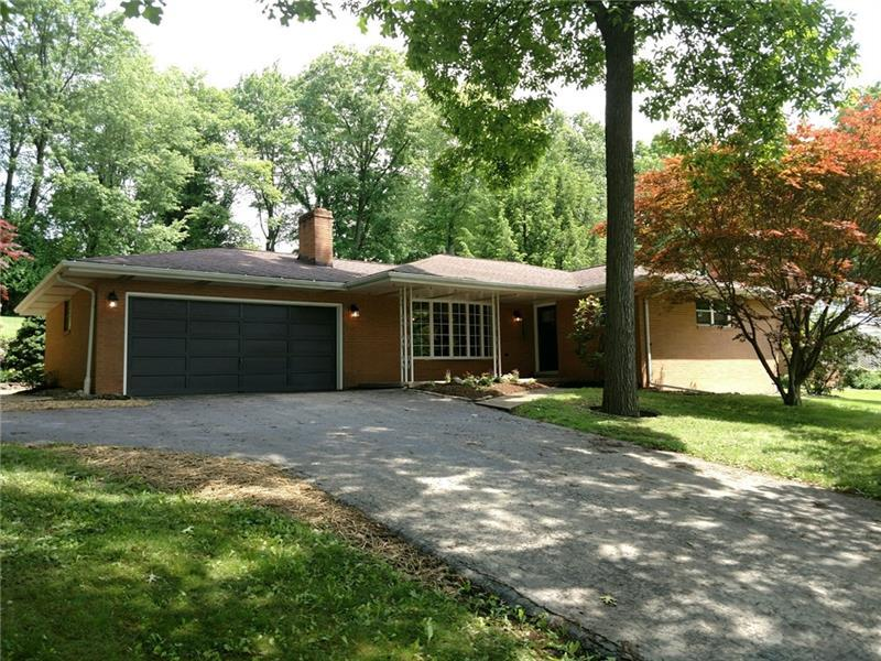 119 Iroquois Drive, Center Twp