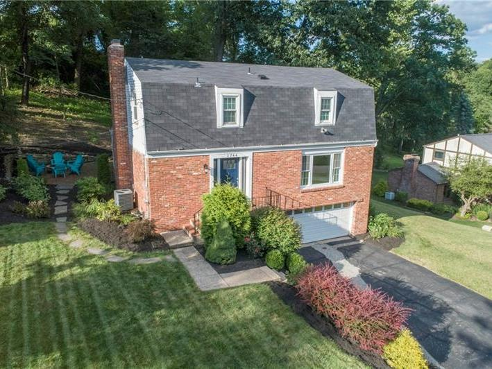 1744 Quigg Dr, Upper St. Clair