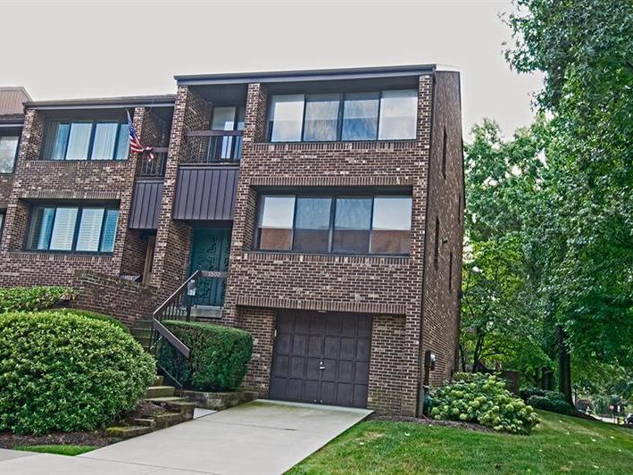 1500 Pinehurst Ln, Oakmont
