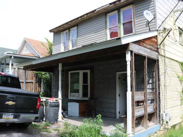 1302 Locust Street, Tarentum