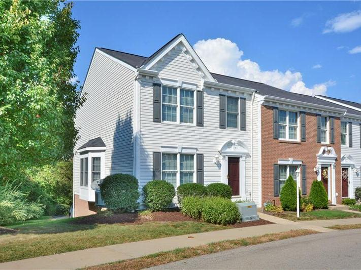 28 Castle View Drive, Kennedy Twp