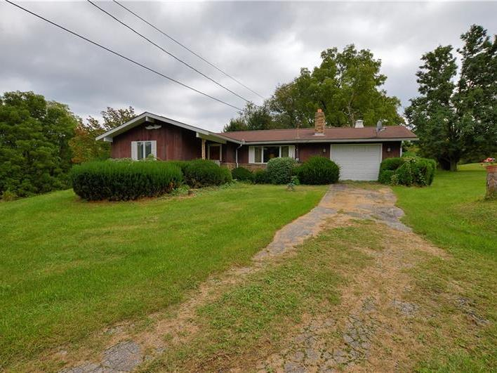 388 Chicora Rd, Oakland Twp