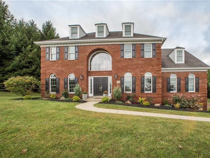 326 Snowberry Cir, Peters Twp