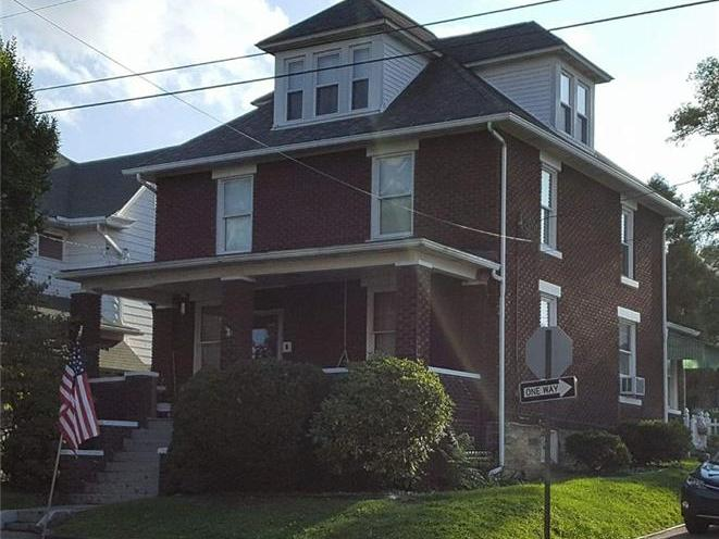 402 S 8th St, Connellsville