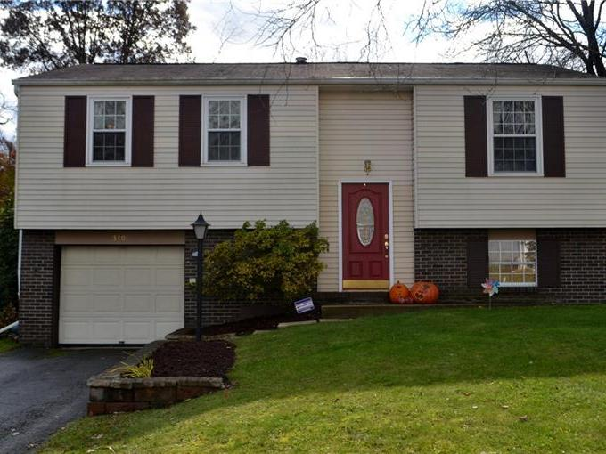 310 Brookston Dr, Cranberry Twp