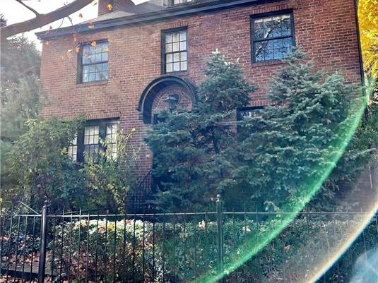 522 Roslyn Place, Shadyside