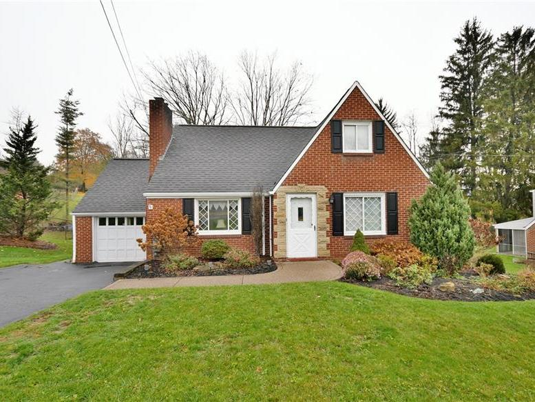 547 E Mcmurray Rd, Peters Twp