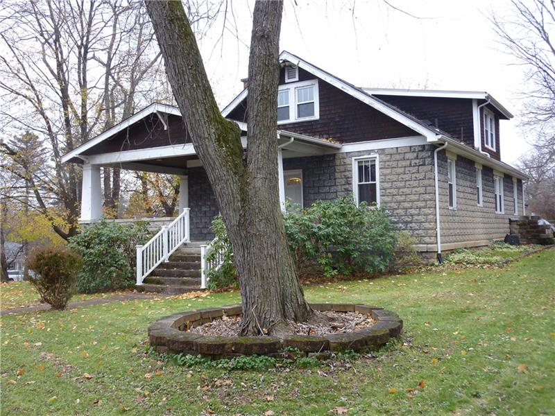 3871 Mount Royal, Hampton