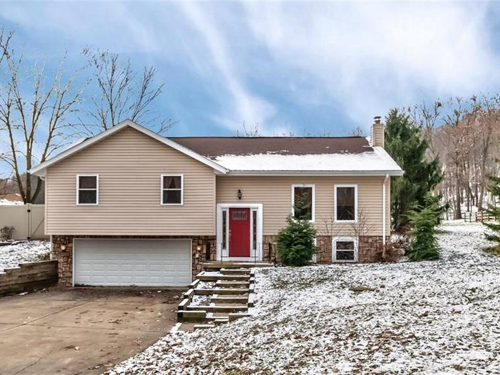 1559 Garvin Rd, Cranberry Twp