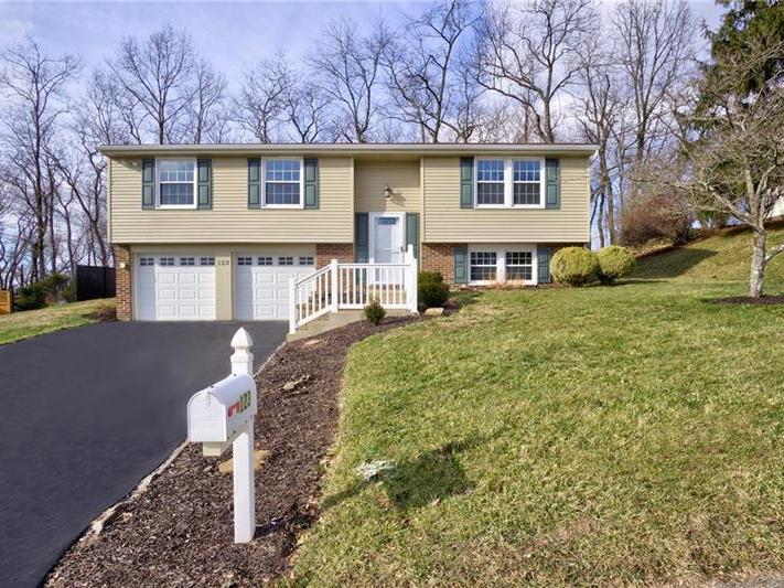 123 Carriage Hill Rd, Ross Twp