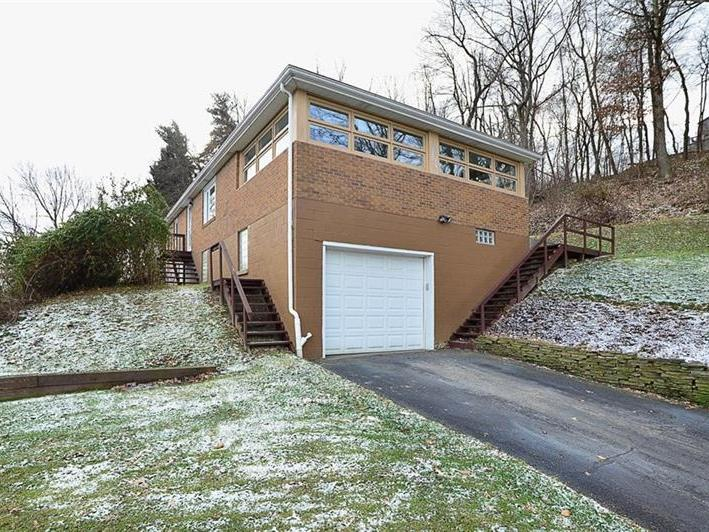 3305 Maple Dr., Ross Twp