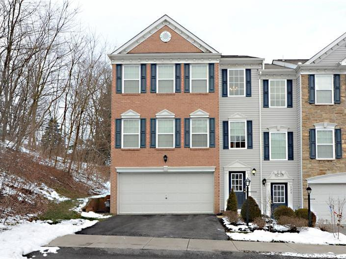 322 Blake Ct., Moon-Crescent Twp