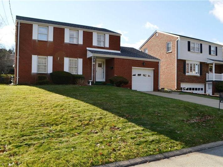434 Satinwood Drive, West Mifflin