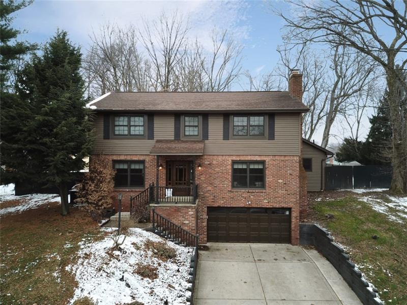 123 Woodside Dr, Peters Twp