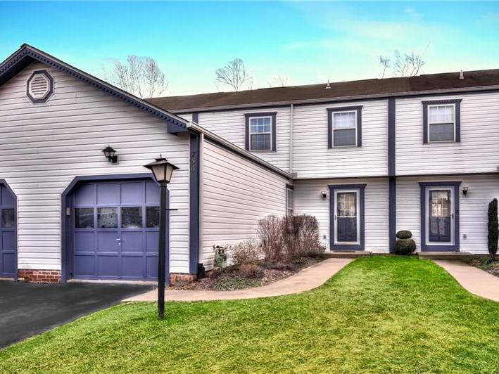 756 Sunset Circle, Cranberry Twp