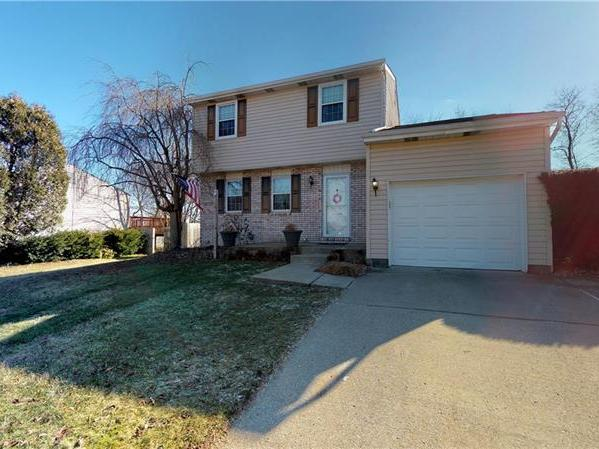 104 Brookston Dr, Cranberry Twp