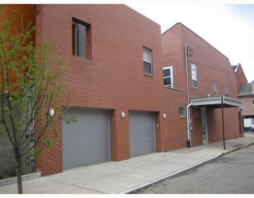 81 S 15th Street, South Side