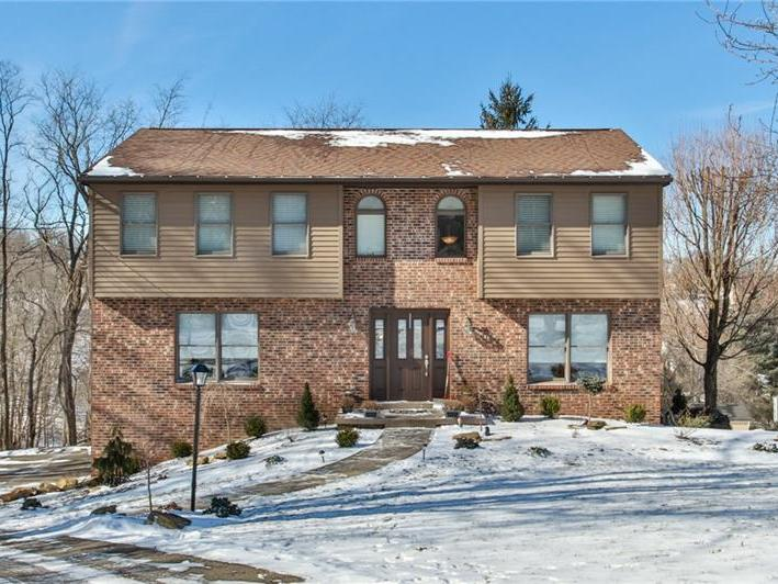 556 Center Church Rd, Peters Twp