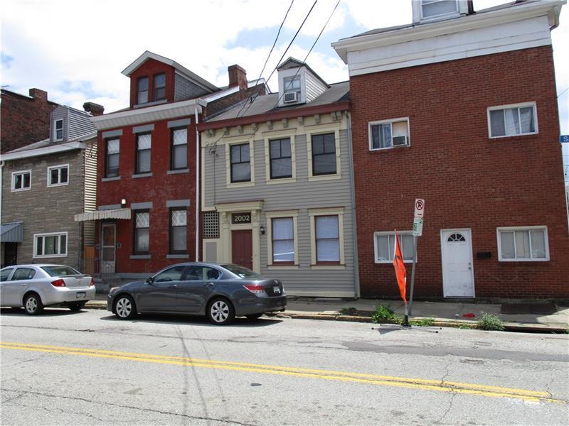 2002 Sarah Street, South Side