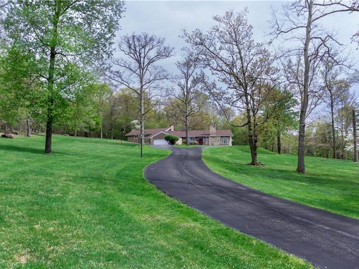 1200 Dogwood Drive, Connellsville
