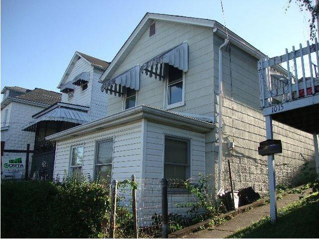 1013-1/2 Lower Meadow Ave, Charleroi