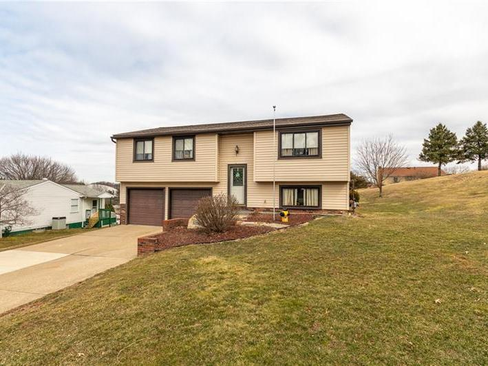 137 Kings Drive, Center Twp