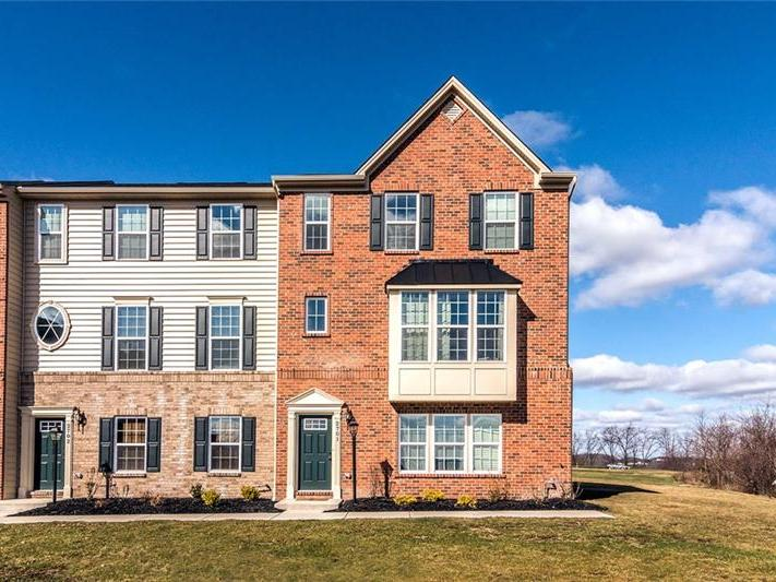 2701 Pointe View Dr, Adams Twp