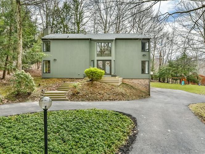 256 Valley Rd, Marshall Twp