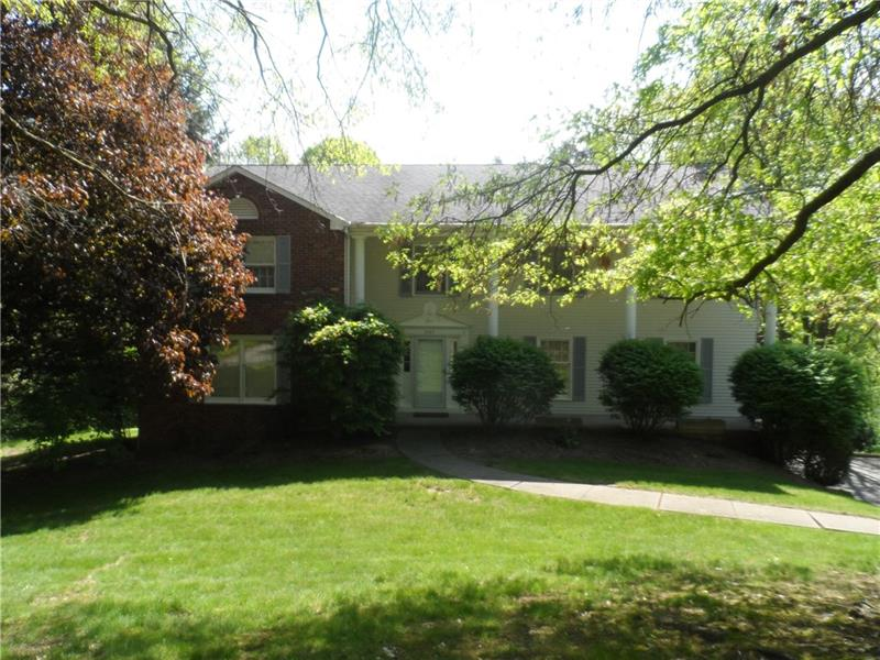 2449 Fairway Circle, Franklin Park