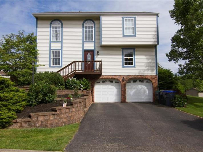 113 Winterbrook Dr, Cranberry Twp