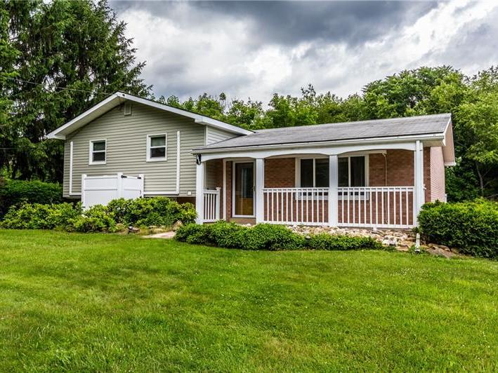 1610 Barclay Hill Rd, Brighton Twp