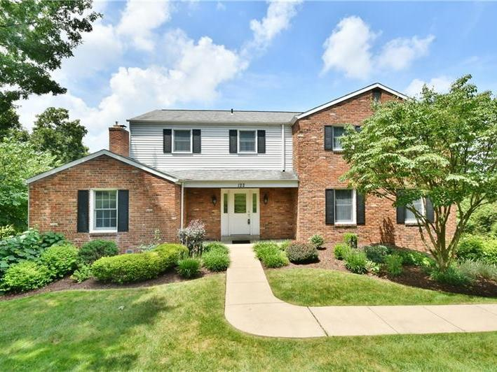 122 Fireside Dr, Peters Twp