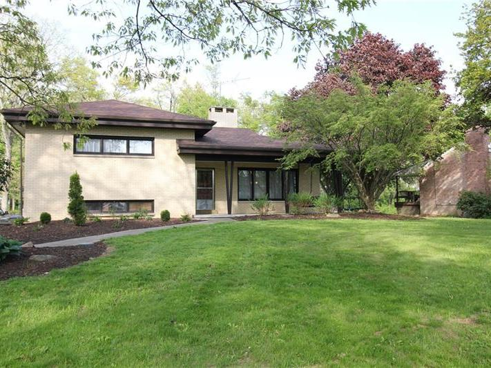 118 Crescent Hill Drive, Buffalo Twp
