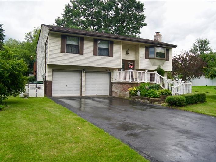 443 Deerfield Dr, Cranberry Twp