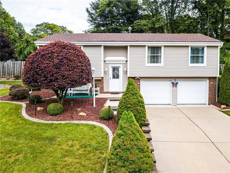1103 Queens Mill Road, Hopewell Twp