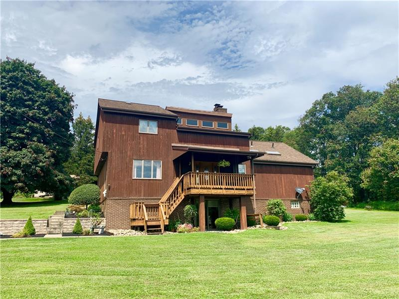 458 Beagle Club Rd, Sugarcreek Twp