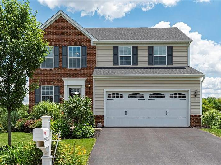 102 Beechwood Circle, Kennedy Twp